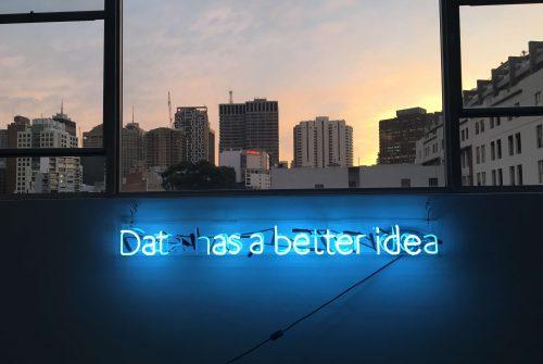Facebook sta utilizzando l'AI per risolvere parte dei suoi problemi:...
