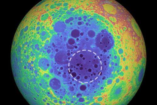 Sulla Luna c'è un'enorme massa sepolta