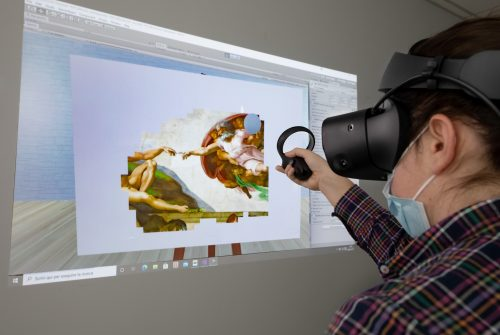 Virtual reality in medicine: works of art and VR for...