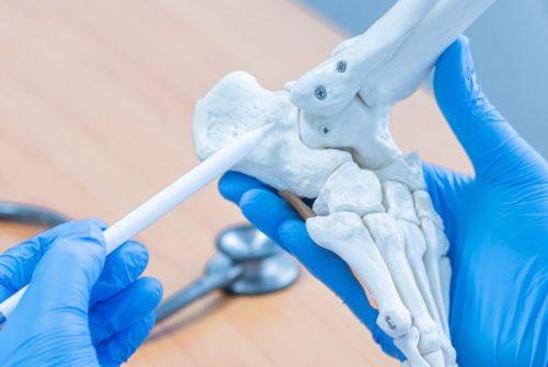 Ceramic nanomaterials for regenerative medicine: nature inspires bone regeneration